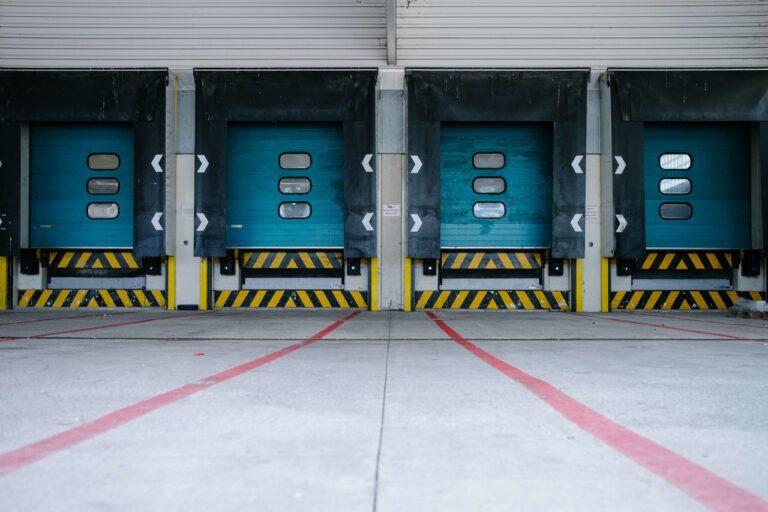 System przywoławczy w logistyce — rozwiązanie problemu komunikacyjnego